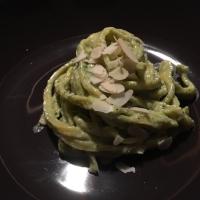 Tagliolini al Pesto, Ricotta di Bufala e Mandorle